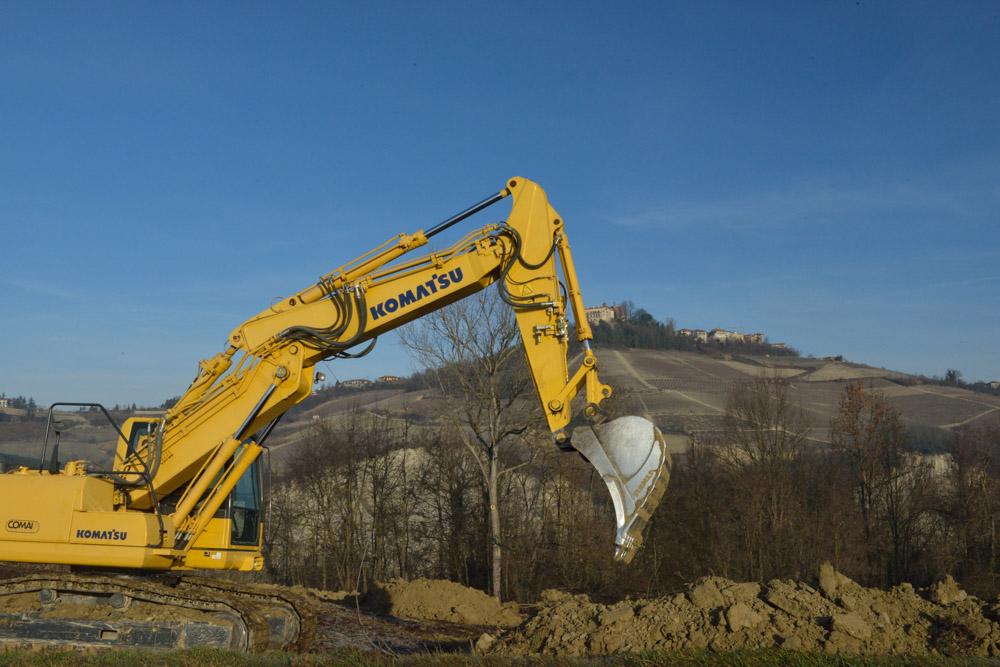 prabrassolo-scavatore-lavoro